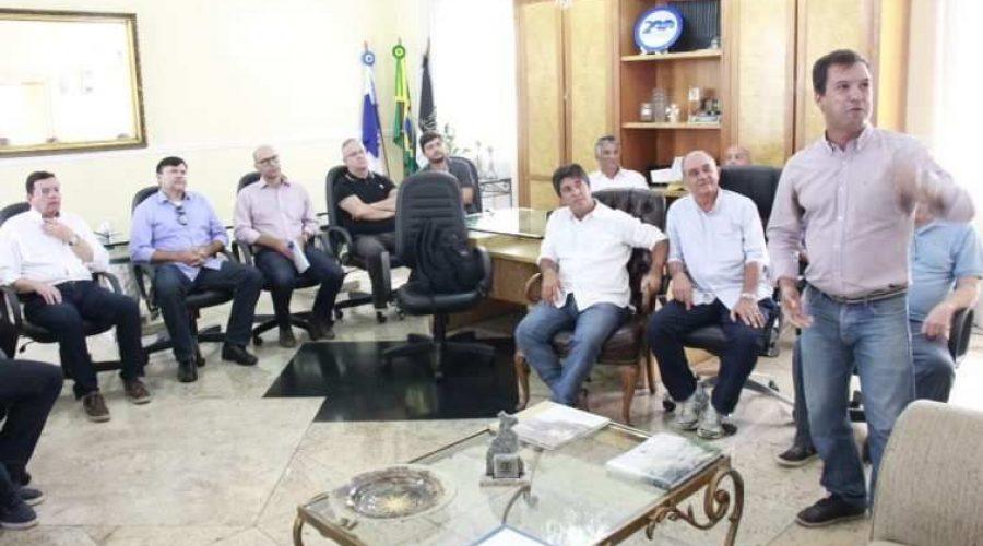Autoridades e empresários discutem apoio ao Friburguense